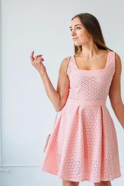 Платье из лососевого шитья с карманами