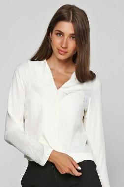 Блузка из молочной вискозы