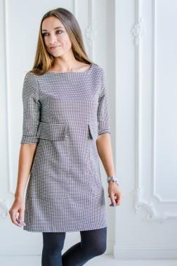 Платье свободного кроя со скрытыми карманами