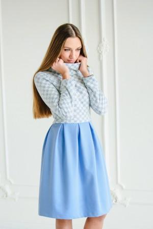 Платье из трикотажа и вискозы