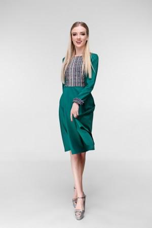 Зеленое платье с деталями из букле