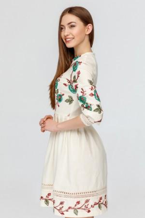 Платье из молочного льна с вышивкой птицы