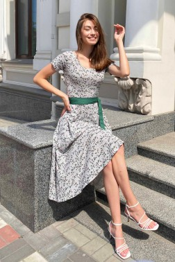 Платье с вырезом лодочки серая фиалка