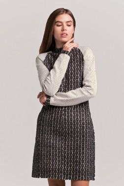 Темно-серое платье из ажурного трикотажа