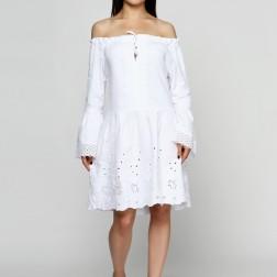 Белоснежное льняное платье с вышивкой и кружевом