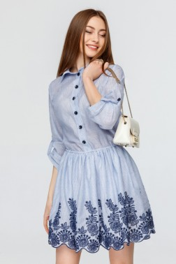 Батистовое платье в полоску с вышивкой